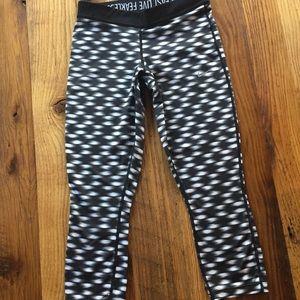 Nike Dri-fit cropped running leggings pants size S